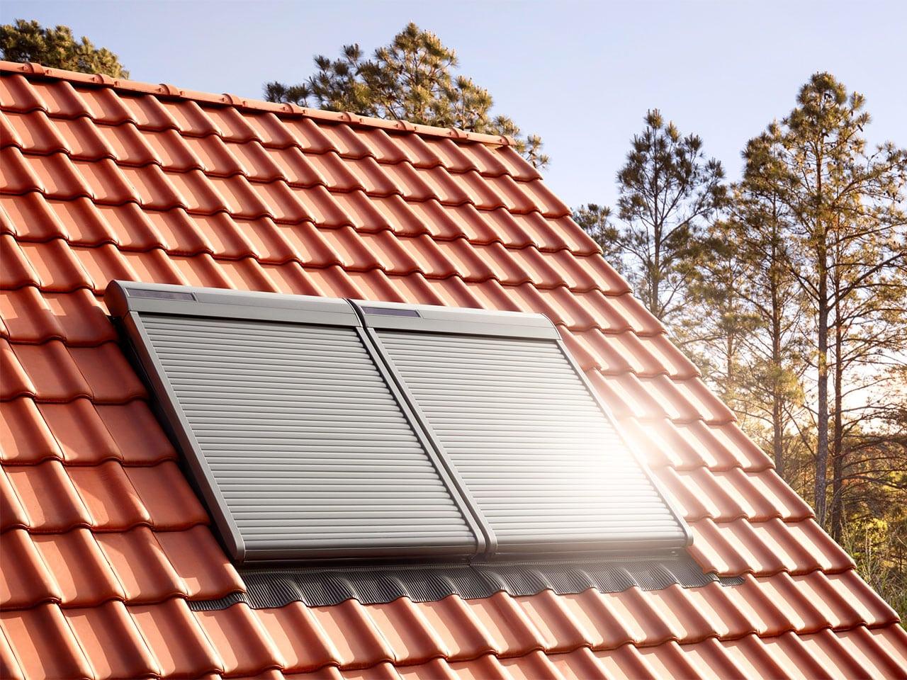 velux-rollladen-solar-aussenansicht-1280x960-min